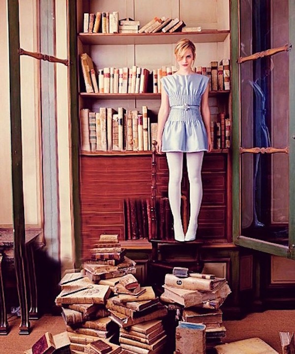 Join Emma Watson S Feminist Book Club Coup De Main Magazine