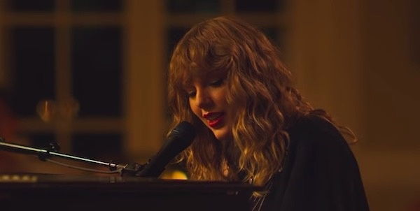 Watch: Taylor Swift's fan performance of 'New Year's Day'  | Coup De