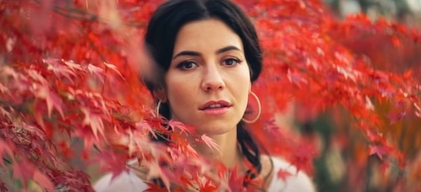 "MARINA - ""LOVE"": Crítica (Saga Das Músicas)"
