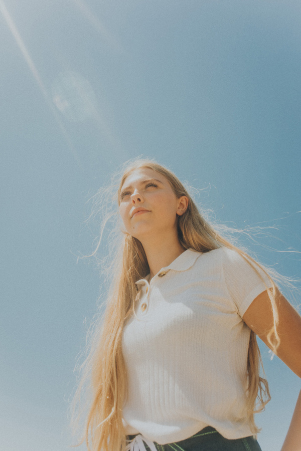 Interview: Introducing Thea and her new single 'So Simple'    Coup