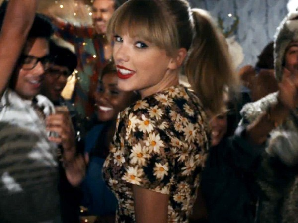 Taylor Swift Releases We Are Never Ever Getting Back Together Music Video Coup De Main Magazine