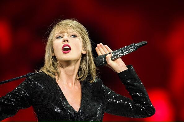 Watch Taylor Swift Performing Holy Ground Live On The 1989 World Tour In Dublin Coup De Main Magazine