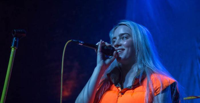 Must Watch Billie Eilish Performs Ocean Eyes Live On
